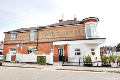 2 bedroom ground floor flat for sale - Bournemouth Road, Parkstone, Poole