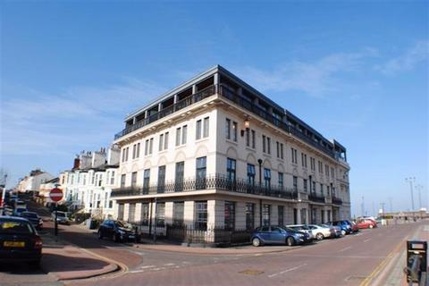 1 bedroom ground floor flat for sale - Pier House, CH45 2JY