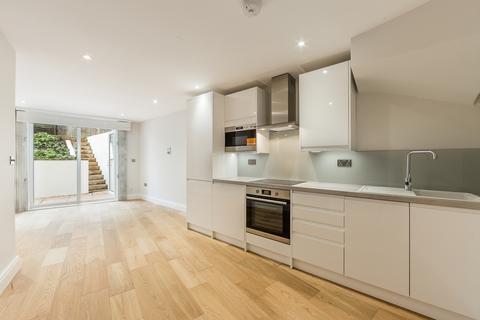 2 bedroom ground floor flat to rent - Batoum Gardens, Brook Green, London, W6