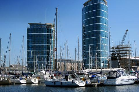 2 bedroom apartment to rent - Marina Point West, Chatham Quays, Dock Head Road, Chatham, Kent, ME4