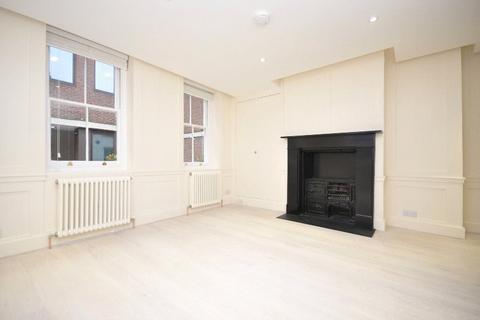 Studio to rent - Newburgh Street, Soho, W1F