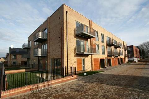 2 bedroom apartment to rent - Spring Drive, Trumpington, Cambridge