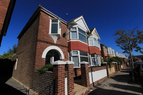 3 bedroom semi-detached house to rent - Battenburg Avenue, Copnor