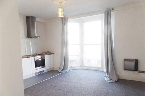 Studio to rent - Lower Rock Gardens, Brighton, East Sussex