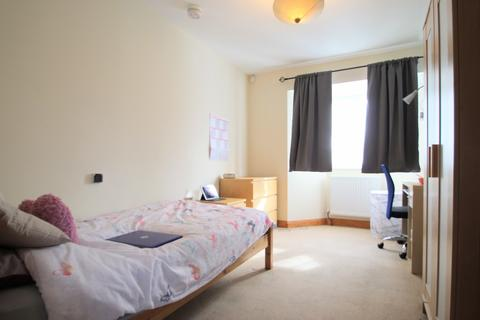 3 bedroom semi-detached house to rent - STUDENT LIVING in Headington