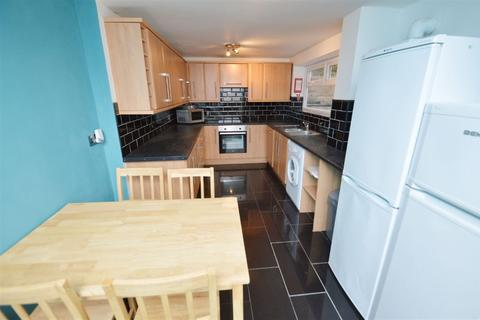 6 bedroom house to rent - Furness Road