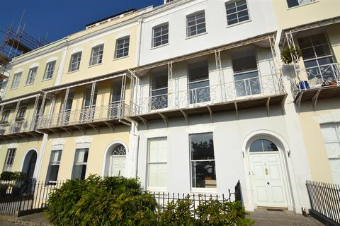4 bedroom flat to rent - Royal York Crescent, Clifton