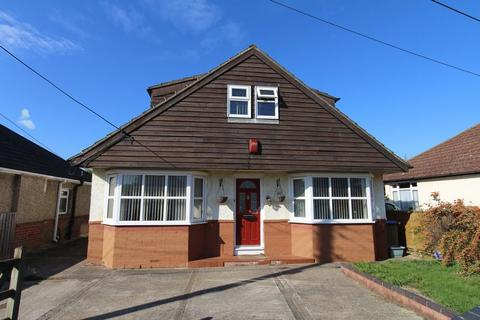 4 bedroom bungalow for sale - The Grove, Southampton