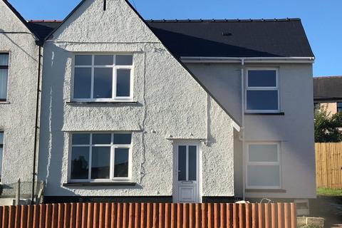 3 bedroom semi-detached house to rent - St Gwladys Avenue, Bargoed