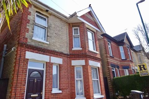 4 bedroom house to rent - FOUR DOUBLE BEDROOM DETACHED HOUSE, WINTON