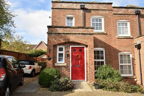 2 bedroom terraced house to rent - Burgate Crescent, Hook