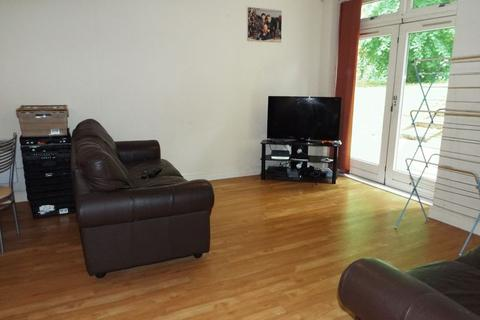 2 bedroom apartment to rent - Woodbrooke Grove, Northfield, Birmingham, B31 2FP