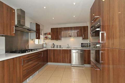 4 bedroom semi-detached house for sale - Lily Walk, Eden Village, Sittingbourne