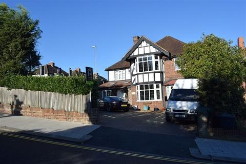 4 bedroom house to rent - Woodland Drive, Hove, BN3 7RA