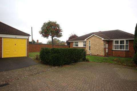 3 bedroom detached bungalow for sale - Oaklands Drive, Willerby, Hull, HU10