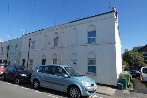 2 bedroom end of terrace house to rent - Queens Retreat, Cheltenham