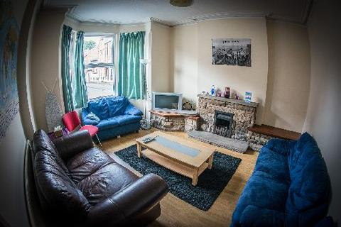 5 bedroom house share to rent - Trinity Avenue, Lenton, Nottingham, Nottinghamshire, NG7