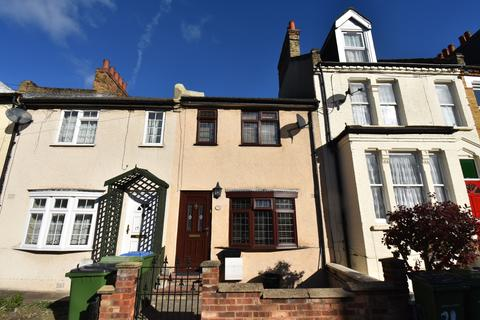 4 bedroom terraced house for sale - Saunders Road London SE18