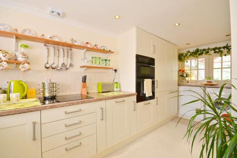 2 bedroom detached bungalow for sale - Forest Road , Winford , Sandown