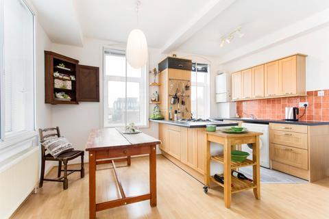 2 bedroom flat to rent - Whitechapel Road, E1