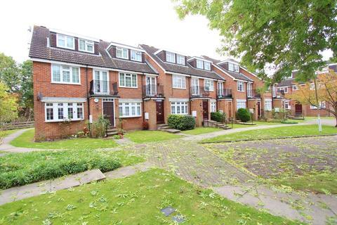 1 bedroom ground floor maisonette to rent - Bramble Close, Stanmore