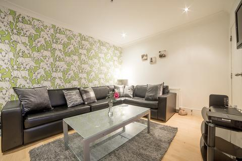 5 bedroom house - Talbot Road, Fallowfield, Manchester M14