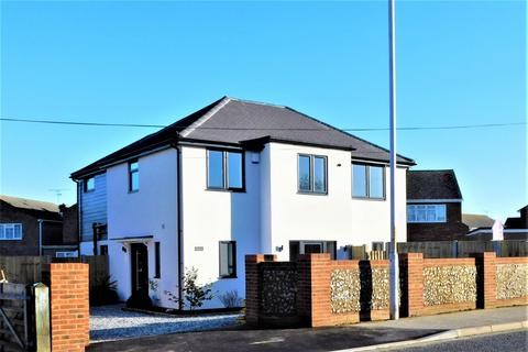4 bedroom detached house to rent - Ramsgate Road, Broadstairs, Kent, CT10