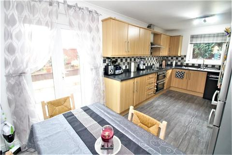 3 bedroom end of terrace house for sale - Ash Grove, Milford Haven, Pembrokeshire. SA73 1BG