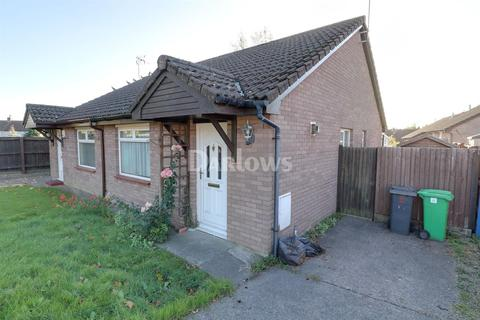 2 bedroom bungalow for sale - Wigmore Close, THornhill, Cardiff, CF14