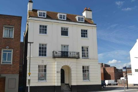 Property to rent - Carlton Crescent, Southampton