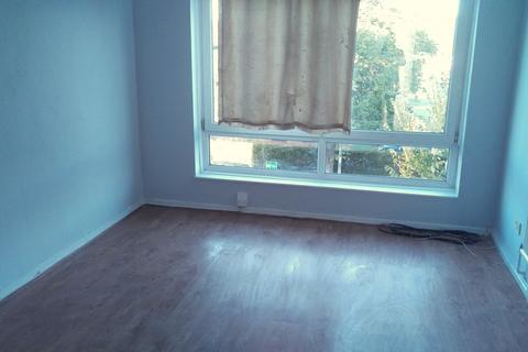 4 bedroom flat to rent - Exeter Road, Dagenham, Essex, RM10