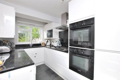 2 bedroom semi-detached house for sale - Henry Road, Chelmsford, Essex, CM1