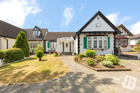3 bedroom bungalow for sale - Ardleigh Green Road, Hornchurch, RM11