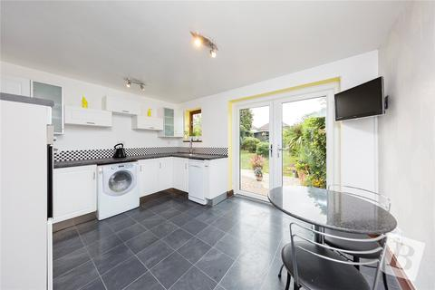 2 bedroom bungalow for sale - The Avenue, Hornchurch, RM12