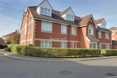 2 bedroom flat to rent - Peterhouse Close