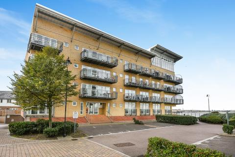 1 bedroom flat for sale - Carmichael Avenue Greenhithe DA9