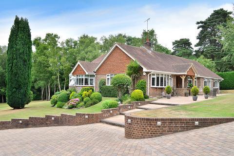 3 bedroom bungalow for sale - Copthorne, West Sussex, RH10