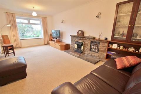 3 bedroom detached house for sale - Pennant Crescent, Lakeside, Cardiff