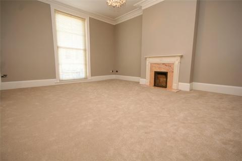 3 bedroom apartment to rent - Royal Parade Mews, Rotunda Terrace, Montpellier, Cheltenham, GL50