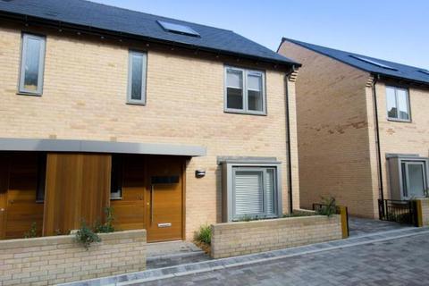 3 bedroom semi-detached house to rent - Huntsman Road, Trumpington, Cambridge
