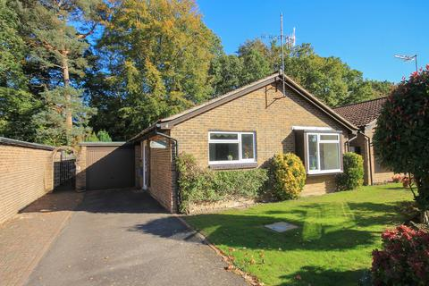 2 bedroom detached bungalow to rent - Spring Gardens, Copthorne