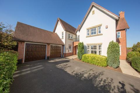 5 bedroom detached house for sale - Kingsdown Close, Weston, Cheshire