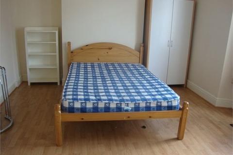 3 bedroom house to rent - Rodney Street, Sandfields, Swansea