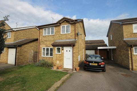 3 bedroom detached house to rent - Kirby Drive, Luton
