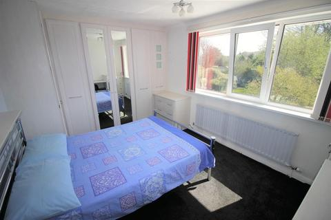 House share to rent - Double room to rent in Stratton
