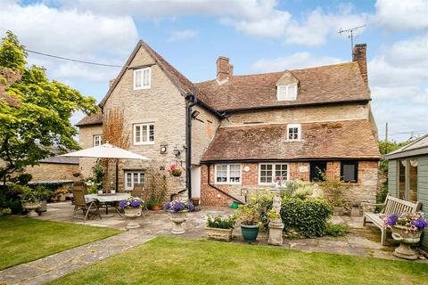 5 bedroom country house for sale - 54 West End, Launton, Bicester