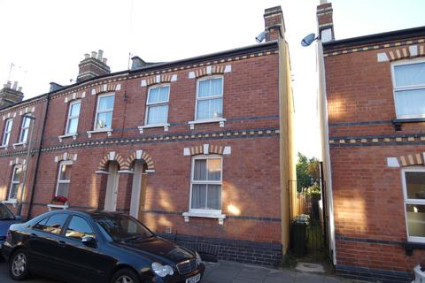 2 bedroom end of terrace house to rent - Winstonian Road, Cheltenham
