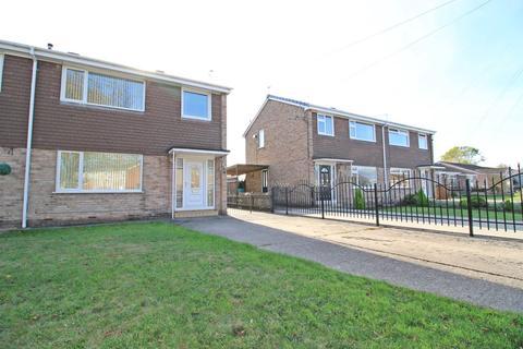 3 bedroom semi-detached house for sale - Ganton Way, Willerby