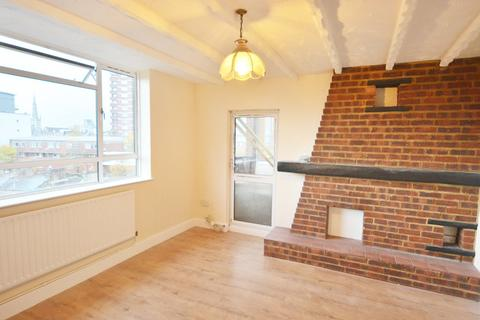 3 bedroom flat share to rent - Commercial Road, London, E1
