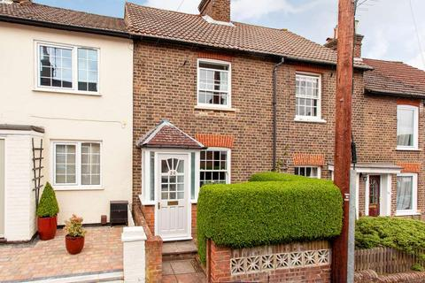 2 bedroom house to rent - Victoria Road, Berkhamsted